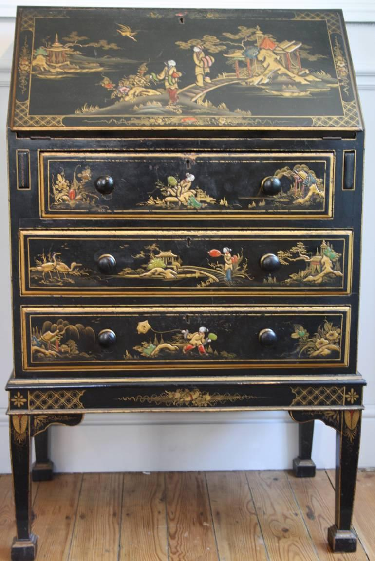 1920`s lacquered and painted Chinese decorated bureau