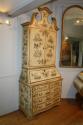 Handpainted Toile de Jouy bureau cabinet - picture 5