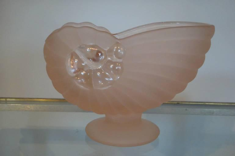 Pink glass shell bon bon dish, c1930