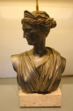 Apollo and Diana - a pair of C20th plaster table lamps. - picture 8