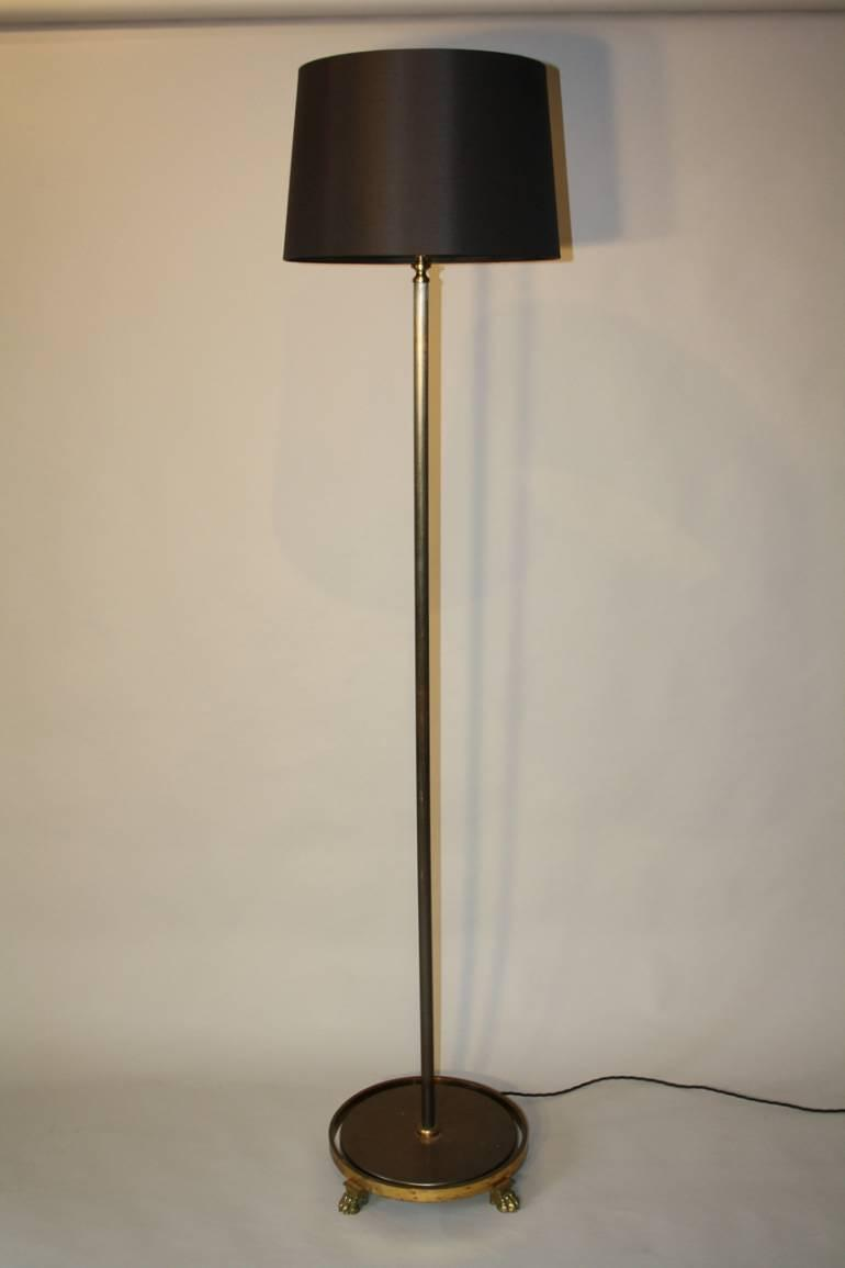 Lion paw floor lamp