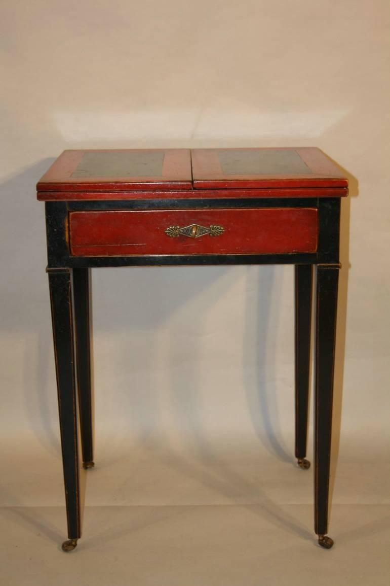 Metamorphic writing table