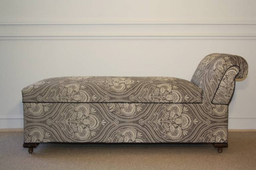 Late Victorian chaise longue with storage compartment. English c1900