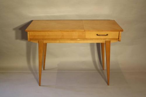 Herringbone veneered wood dressing table