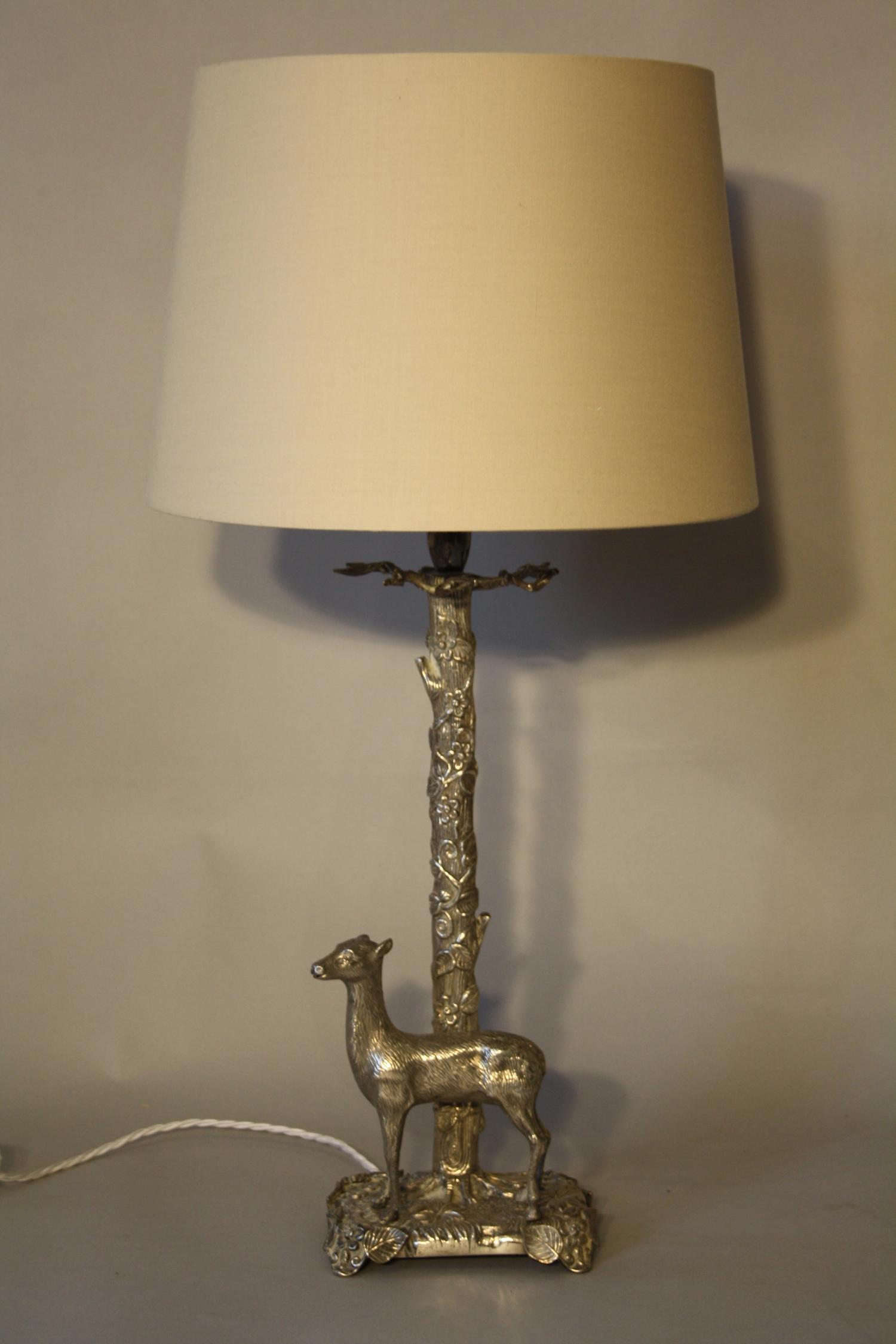 Silver metal Valenti style deer lamp