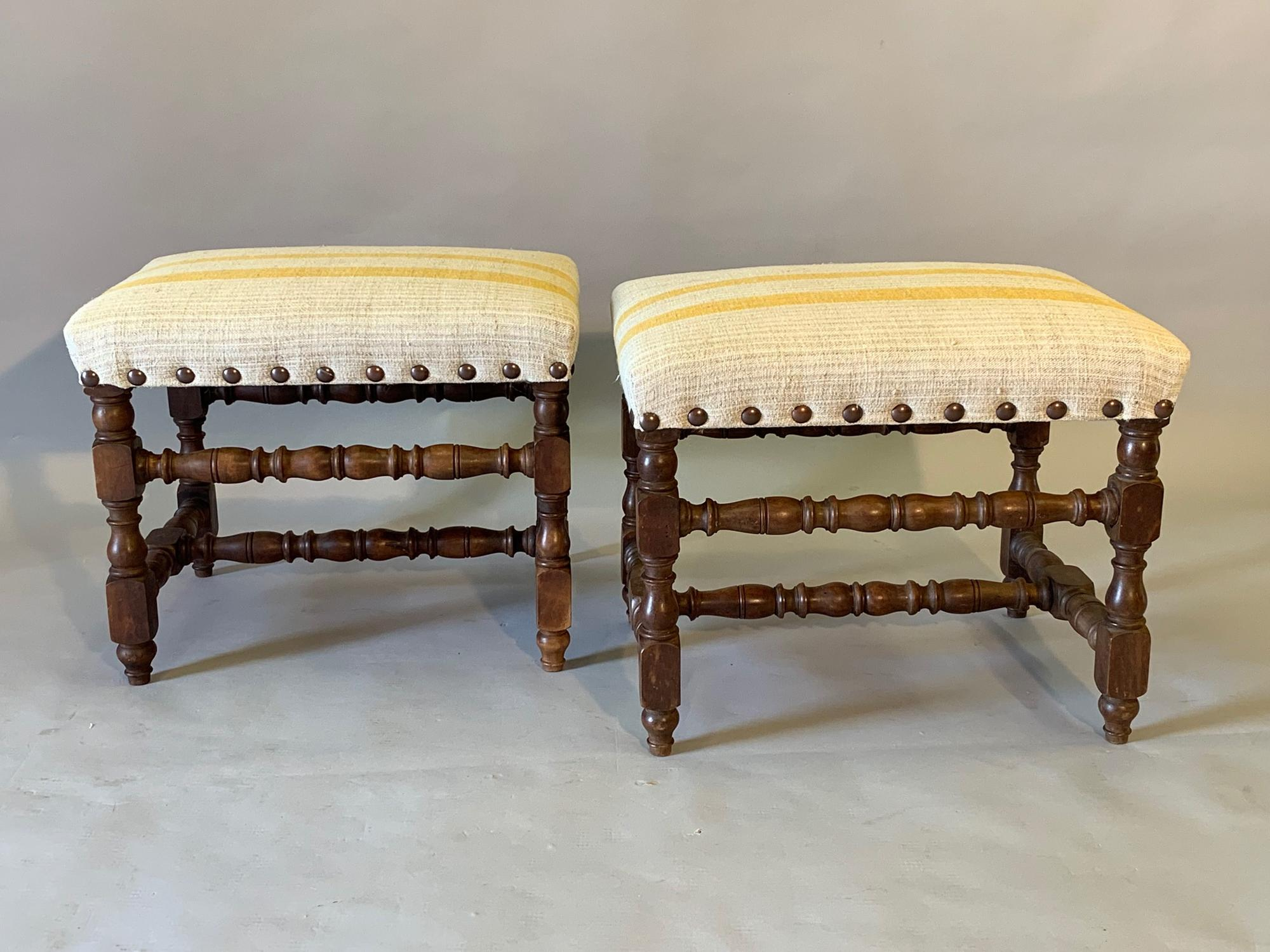 Pair of turned Walnut wood stools/seats