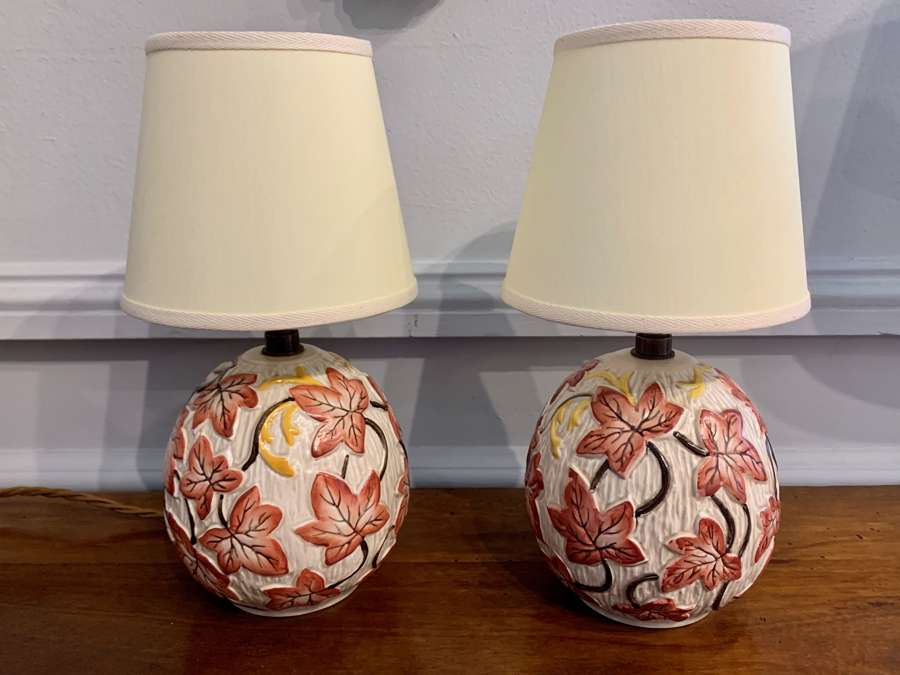 Pair of red ivy 1950's bedside ceramic lamps